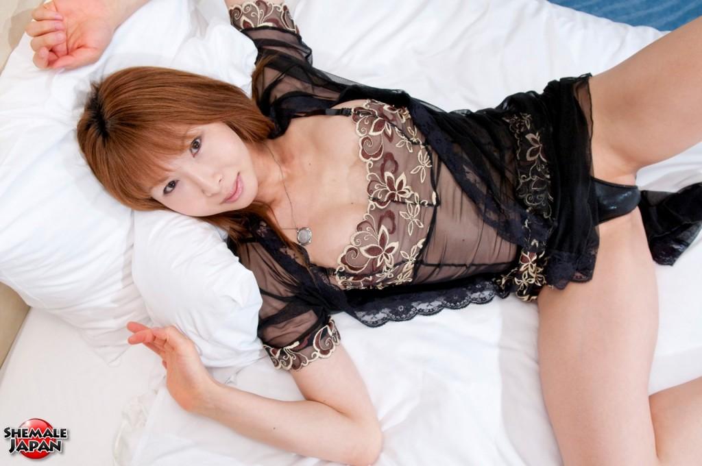 MikiMizuasa3.hiro.006 1024x680 Sexy Shemale in Lingerie   Miki Mizuasa