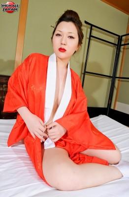 Mana9.hiro.007 262x400 Busty Newhalf Mana Sakuragawa in a Silk Kimono