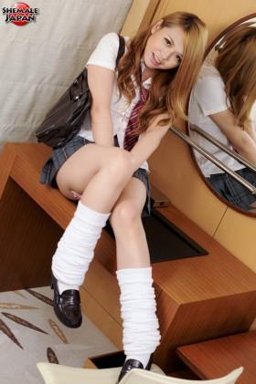 megumi2 280x421 Schoolgirl Megumi